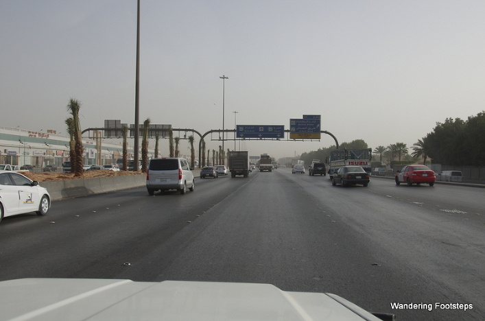 A normal highway in Saudi Arabia - gigantic!