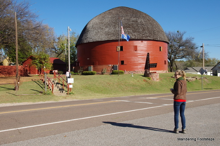 The old round red barn in Arcadia, OK.